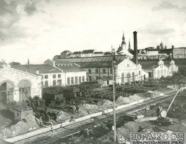 564543d4bbd Suur osa nendest ehitistest on tänaseks lammutatud, Kopli tänava äärsetes  hoonetes asub nüüd Balti Jaama turg. Aastatel 1873–1874 rajati juurde  töökoda ja ...